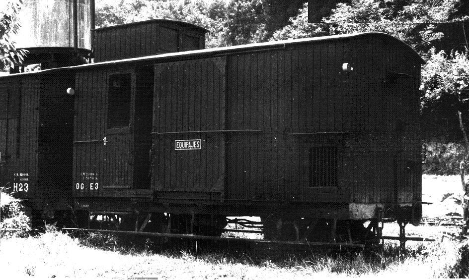 Furgo sèrie 1 a 6 del tren d'Olot A_717