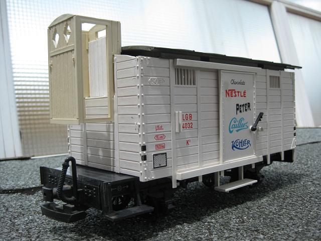 Personalització vagó 4032 de LGB (vagó tancat amb plataforma de guarda-frens) B_1911
