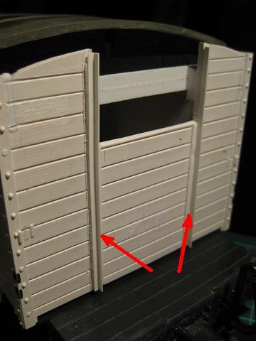 Personalització vagó 4032 de LGB (vagó tancat amb plataforma de guarda-frens) C_510