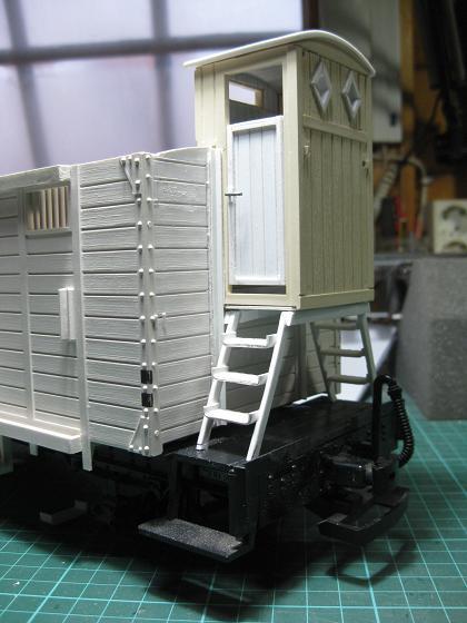 Personalització vagó 4032 de LGB (vagó tancat amb plataforma de guarda-frens) D_1910