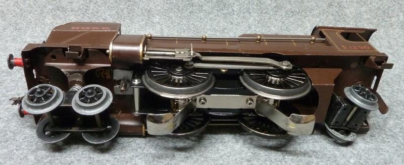 Fixation d'un moteur électrique pour une 221. P1190112