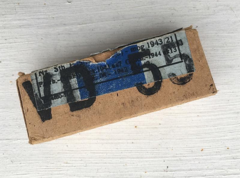 Une curieuse boite de 16 cartouches de 9 mm para... Img_4911