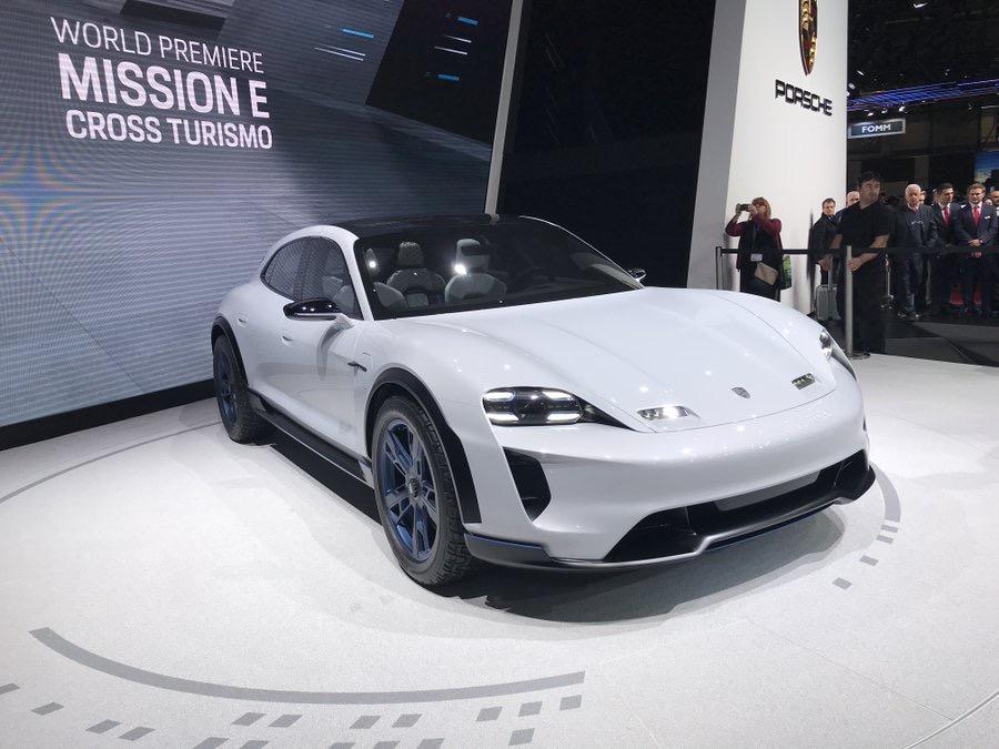 Porsche Mission E Cross Turismo 4afaf110