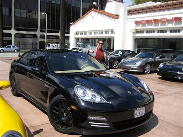 Les stars et les Porsche Celebr14