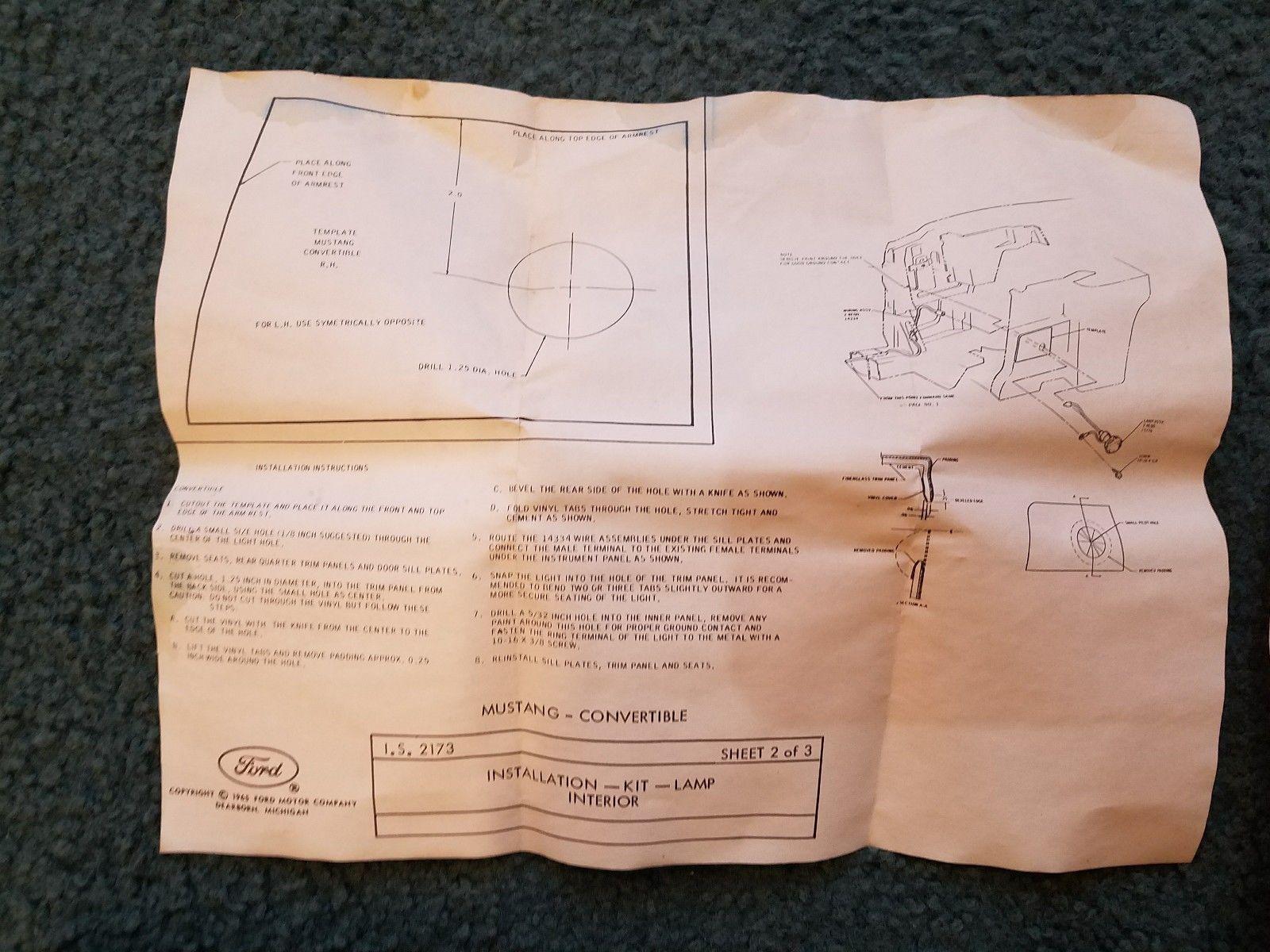 (9) Option, lumières pour siège arrière, Mustang hardtop et décapotable 1967 1967_m17