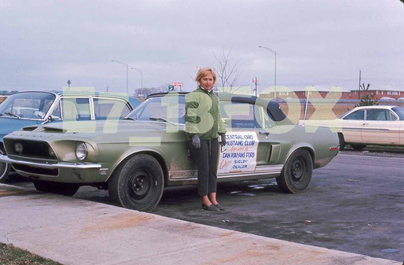 Vieilles photos qui inclus des Shelby 24510