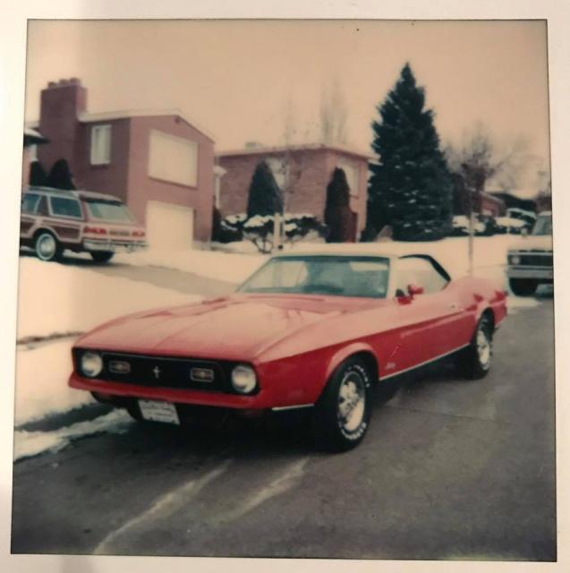 Vieille photo qui inclus des Mustang 65-73  42715910