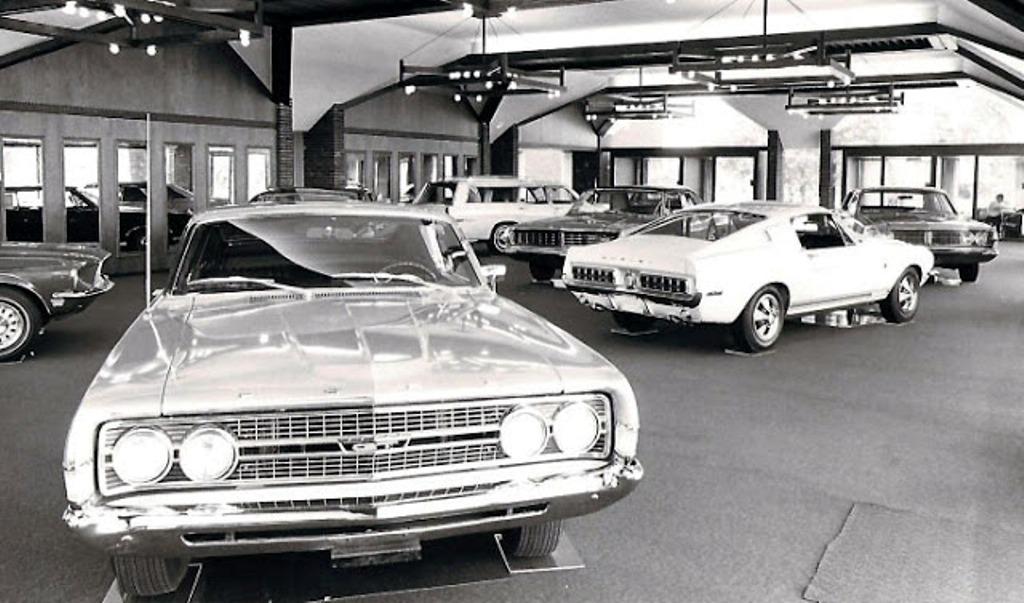 Quelque photo original de Shelby 1968 - Page 2 Dealer10