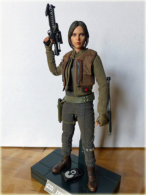 MMS404 MMS405 DX - STAR WARS THE ROGUE ONE - JYN ERSO - Page 2 Salon_85