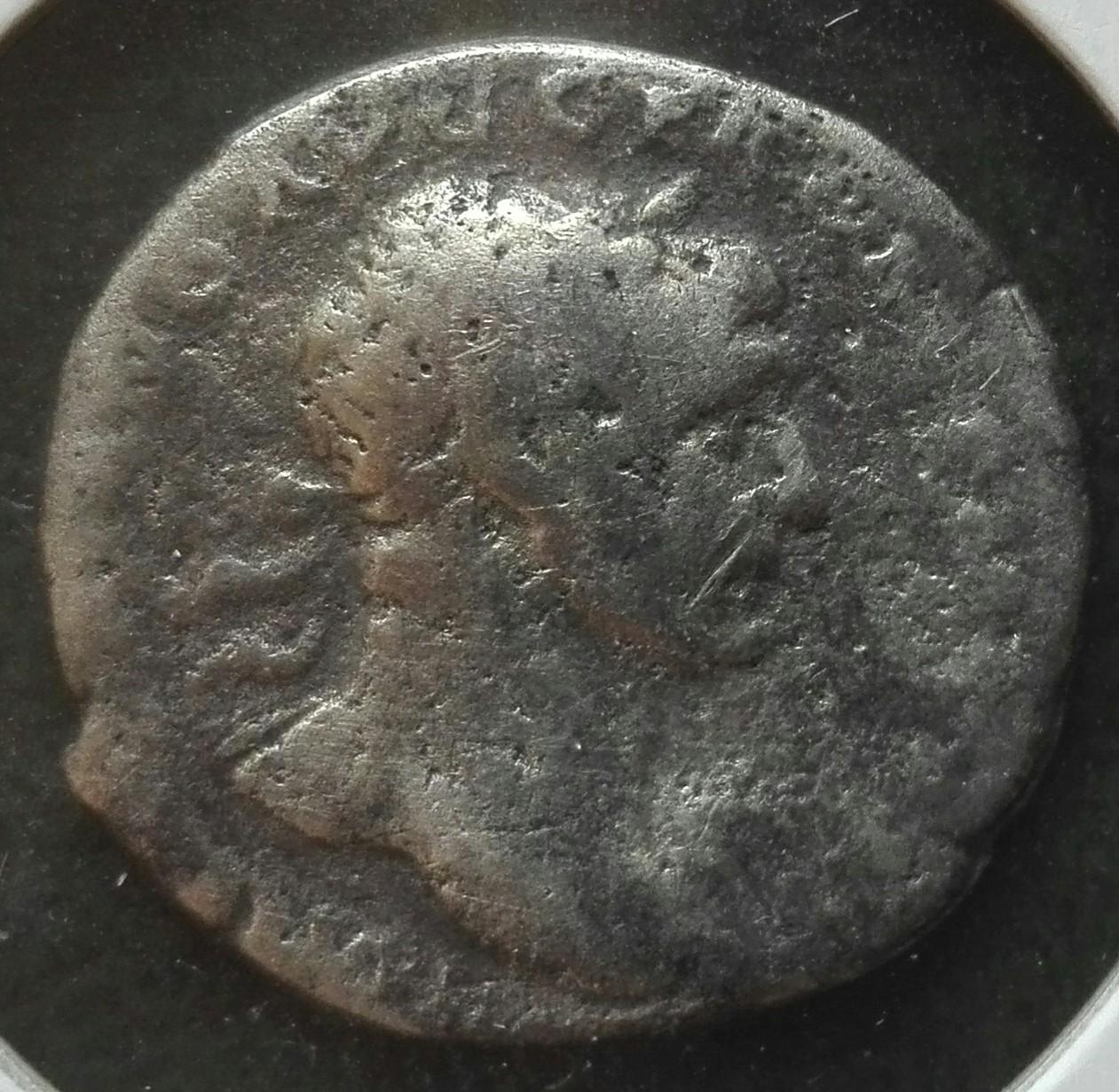 Denario de Trajano. COS V P P S P Q R OPTIMO PRINC / PIET. Pietas estante a izq. Roma. Img_2014