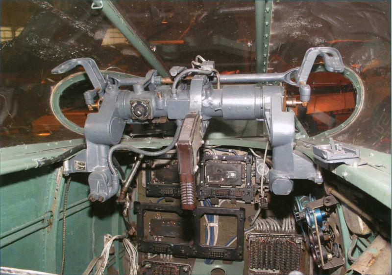 """Messerschmitt Me410B-2/U2/R4 """"Hornisse"""" (MENG 1/48) - Page 7 Opr-ra10"""