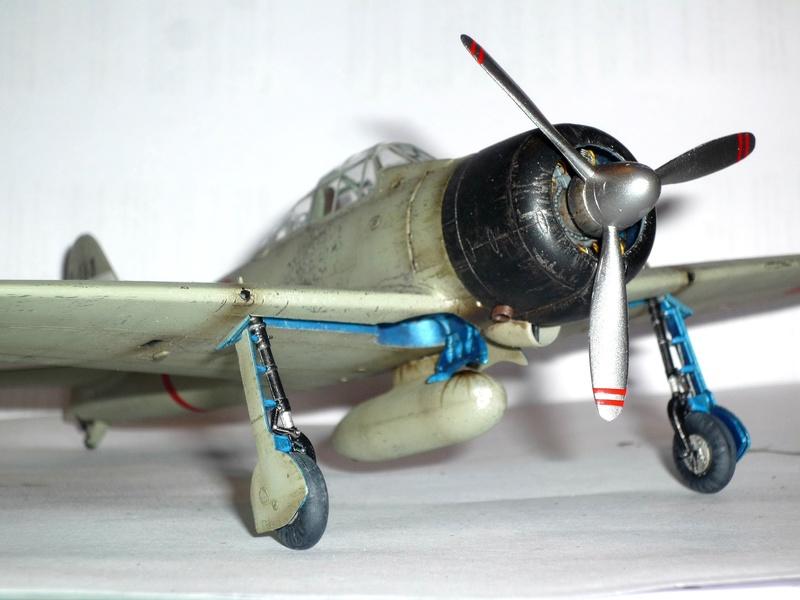 """Mitsubishi A6M Type 21 """"Zero"""" (Tamiya - 1/48) - Page 4 P1100720"""