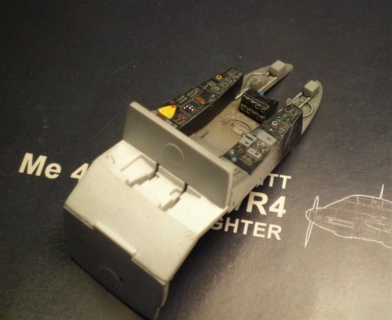 """Messerschmitt Me410B-2/U2/R4 """"Hornisse"""" (MENG 1/48) - Page 2 P1100811"""