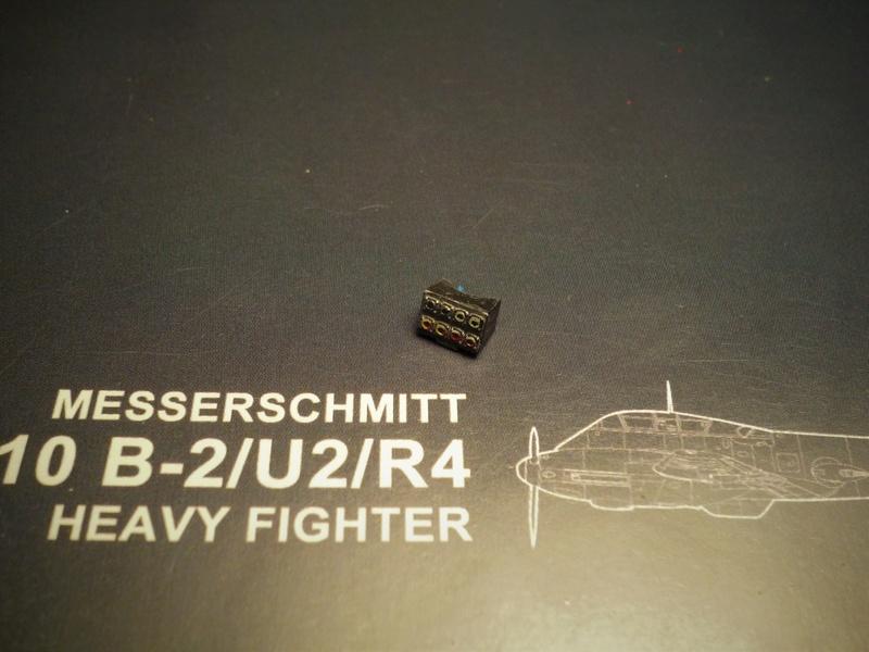 """Messerschmitt Me410B-2/U2/R4 """"Hornisse"""" (MENG 1/48) - Page 2 P1100812"""