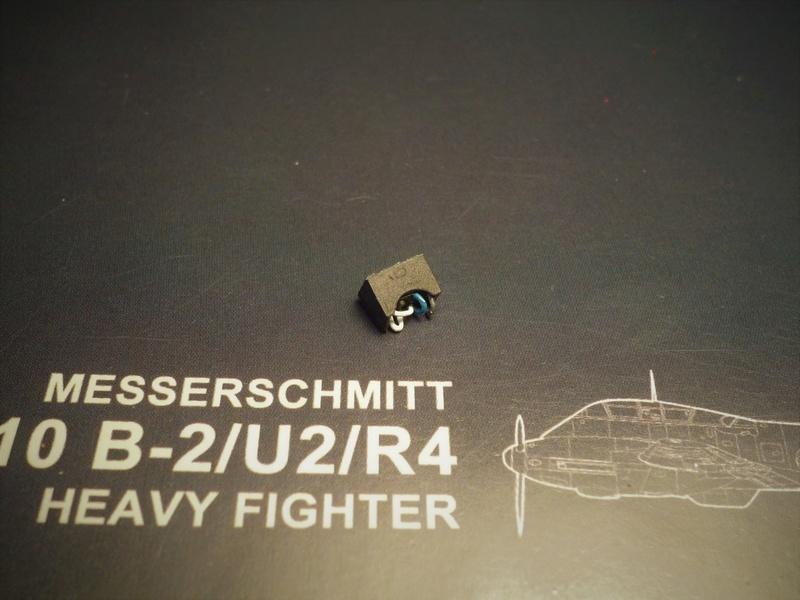 """Messerschmitt Me410B-2/U2/R4 """"Hornisse"""" (MENG 1/48) - Page 2 P1100814"""