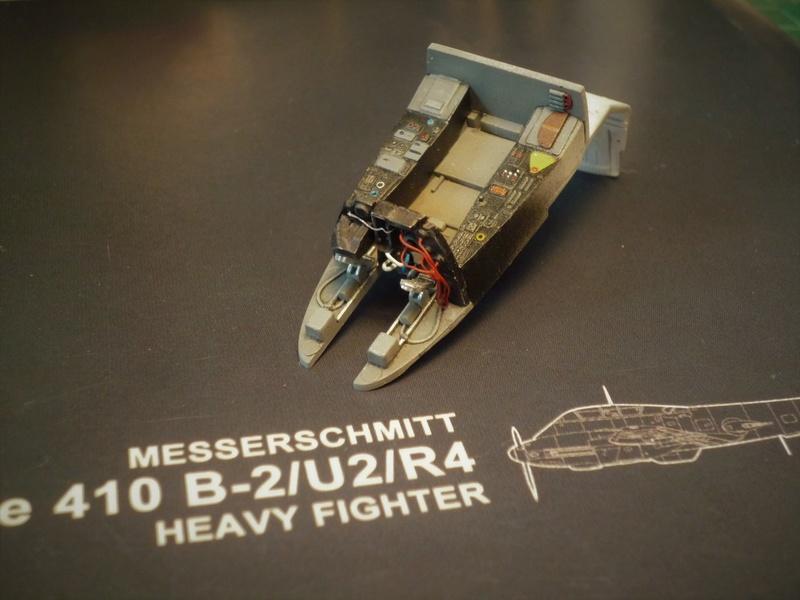 """Messerschmitt Me410B-2/U2/R4 """"Hornisse"""" (MENG 1/48) - Page 2 P1100826"""