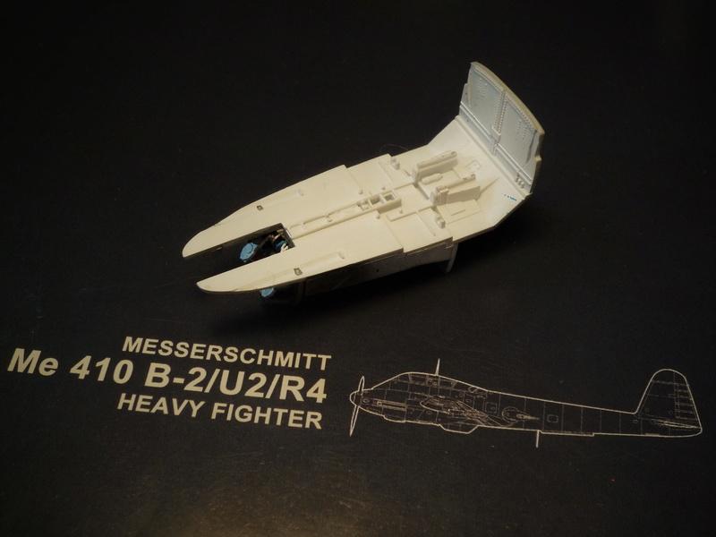 """Messerschmitt Me410B-2/U2/R4 """"Hornisse"""" (MENG 1/48) - Page 2 P1100830"""