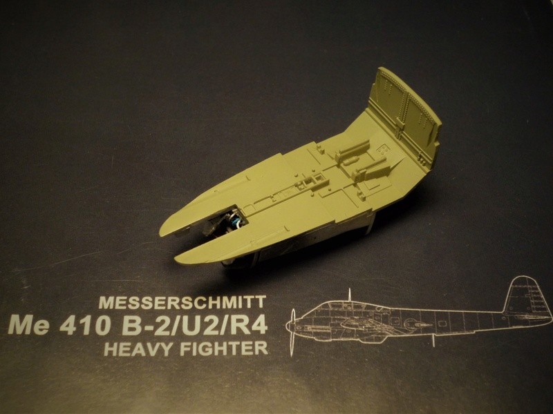Messerschmitt Me 410B-2/U2/R4 (MENG 1/48) - Page 2 P1100834