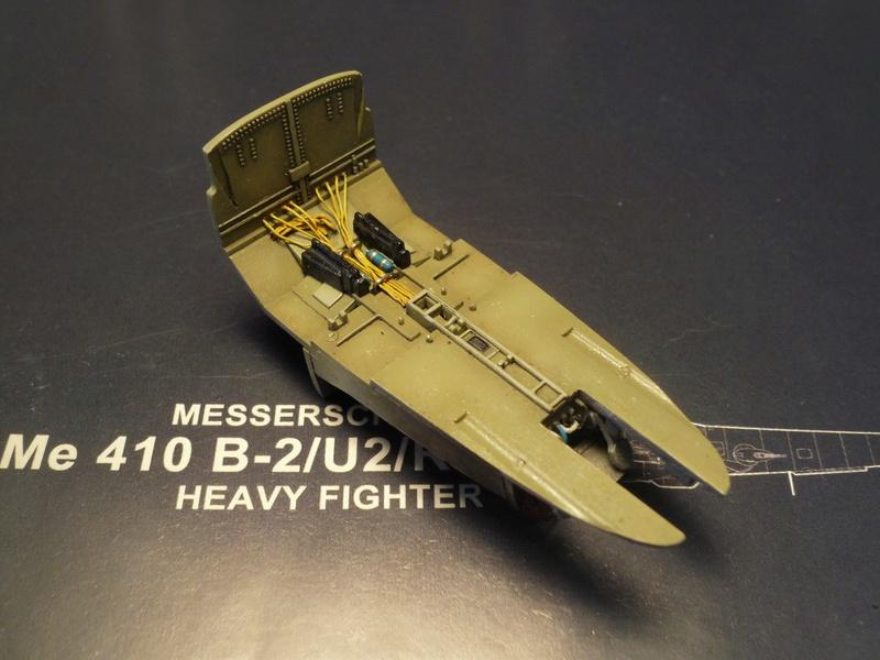 Messerschmitt Me 410B-2/U2/R4 (MENG 1/48) - Page 2 P1100838