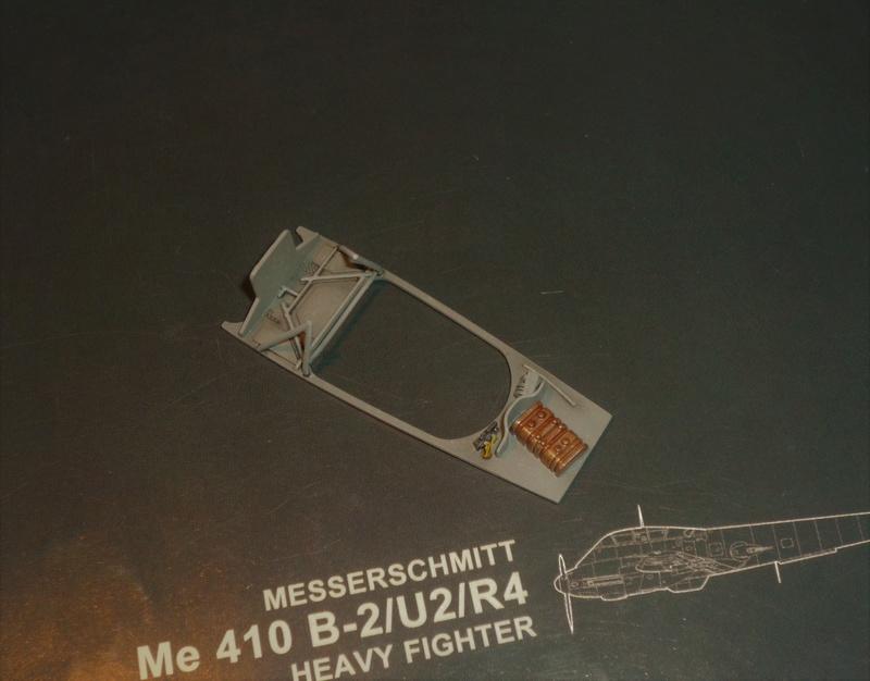 """Messerschmitt Me410B-2/U2/R4 """"Hornisse"""" (MENG 1/48) - Page 7 P1100913"""