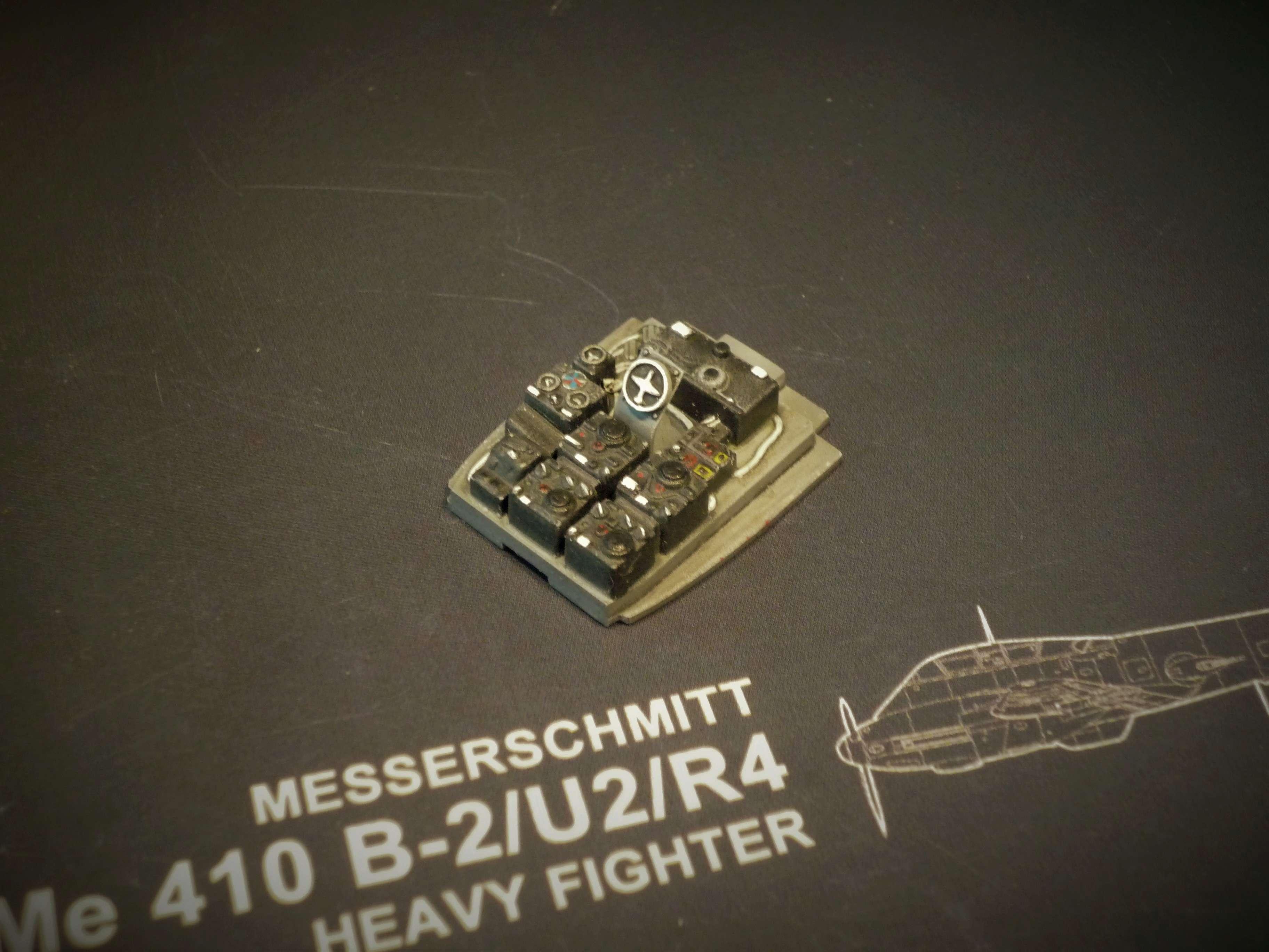 """Messerschmitt Me410B-2/U2/R4 """"Hornisse"""" (MENG 1/48) - Page 7 P1100925"""