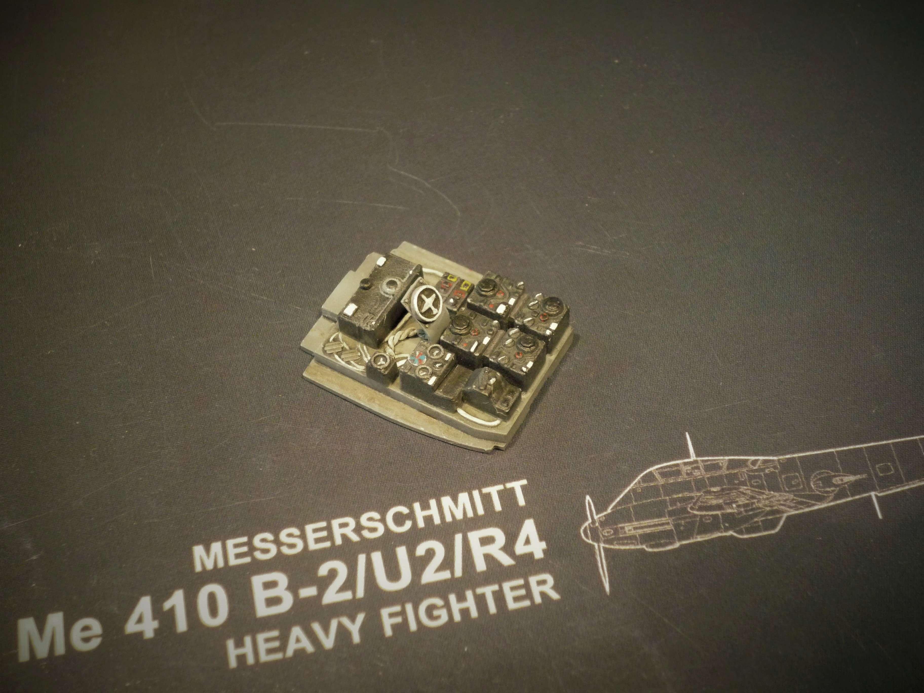 """Messerschmitt Me410B-2/U2/R4 """"Hornisse"""" (MENG 1/48) - Page 7 P1100926"""
