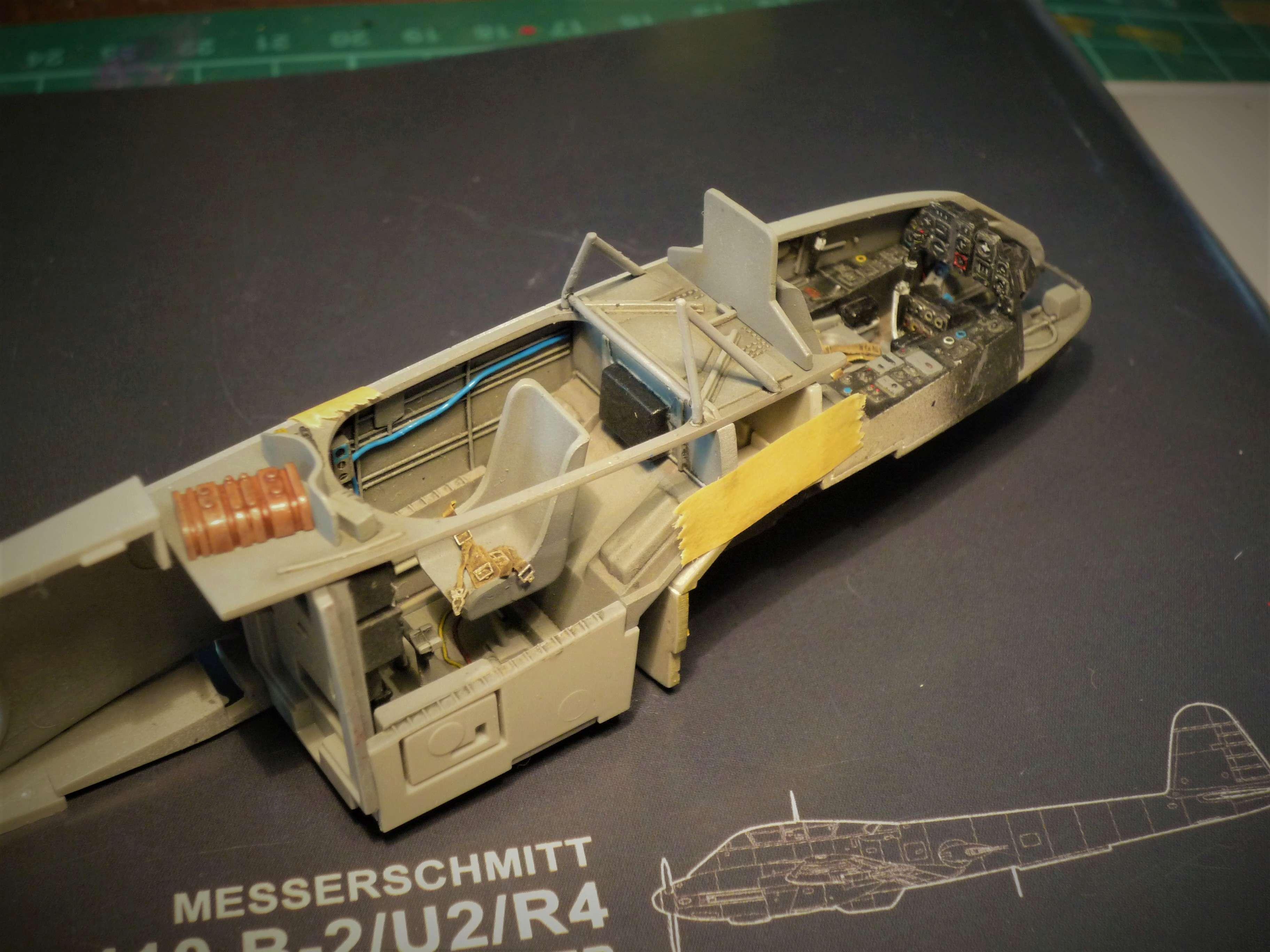 """Messerschmitt Me410B-2/U2/R4 """"Hornisse"""" (MENG 1/48) - Page 7 P1100927"""