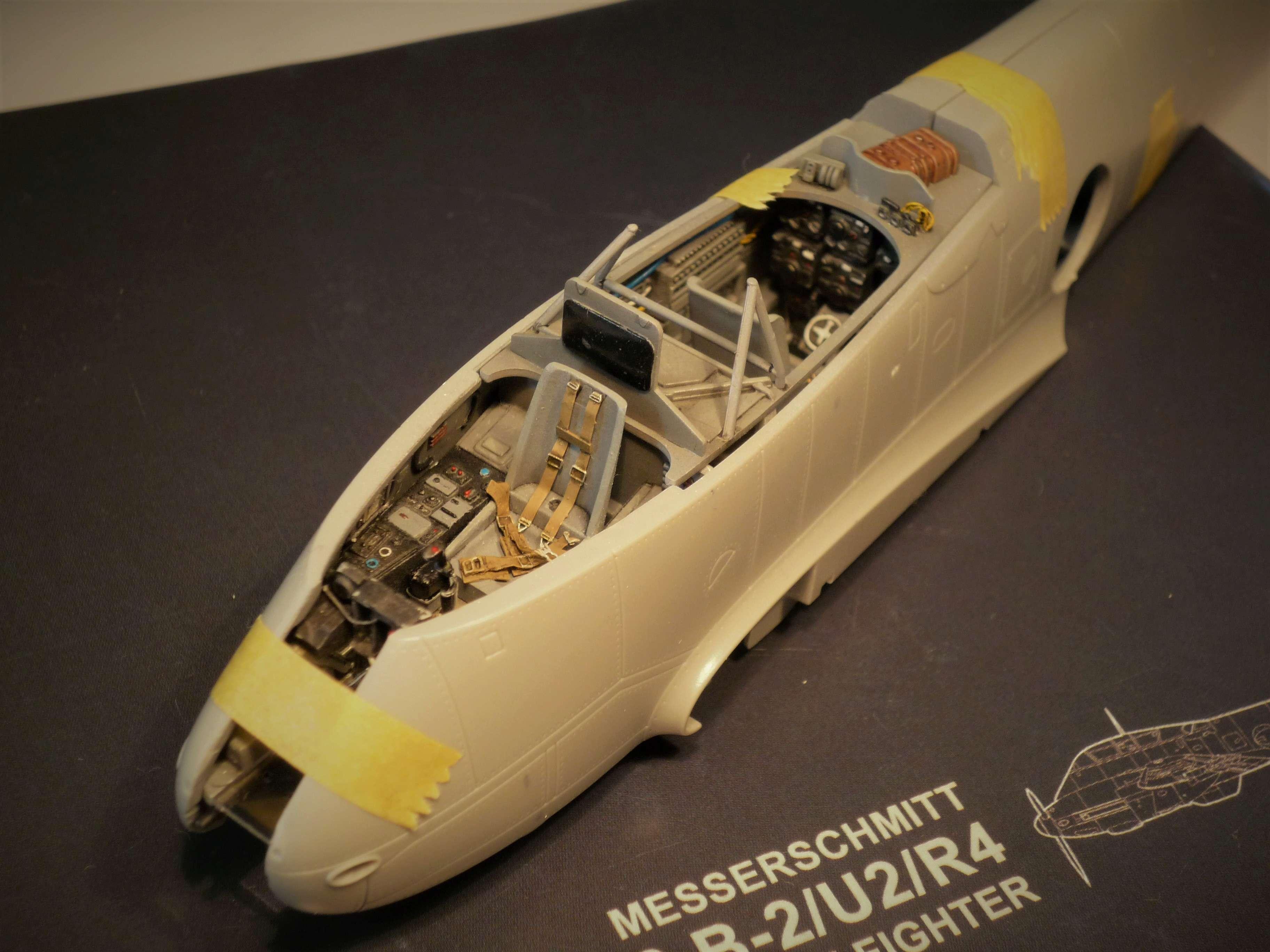 """Messerschmitt Me410B-2/U2/R4 """"Hornisse"""" (MENG 1/48) - Page 7 P1100928"""