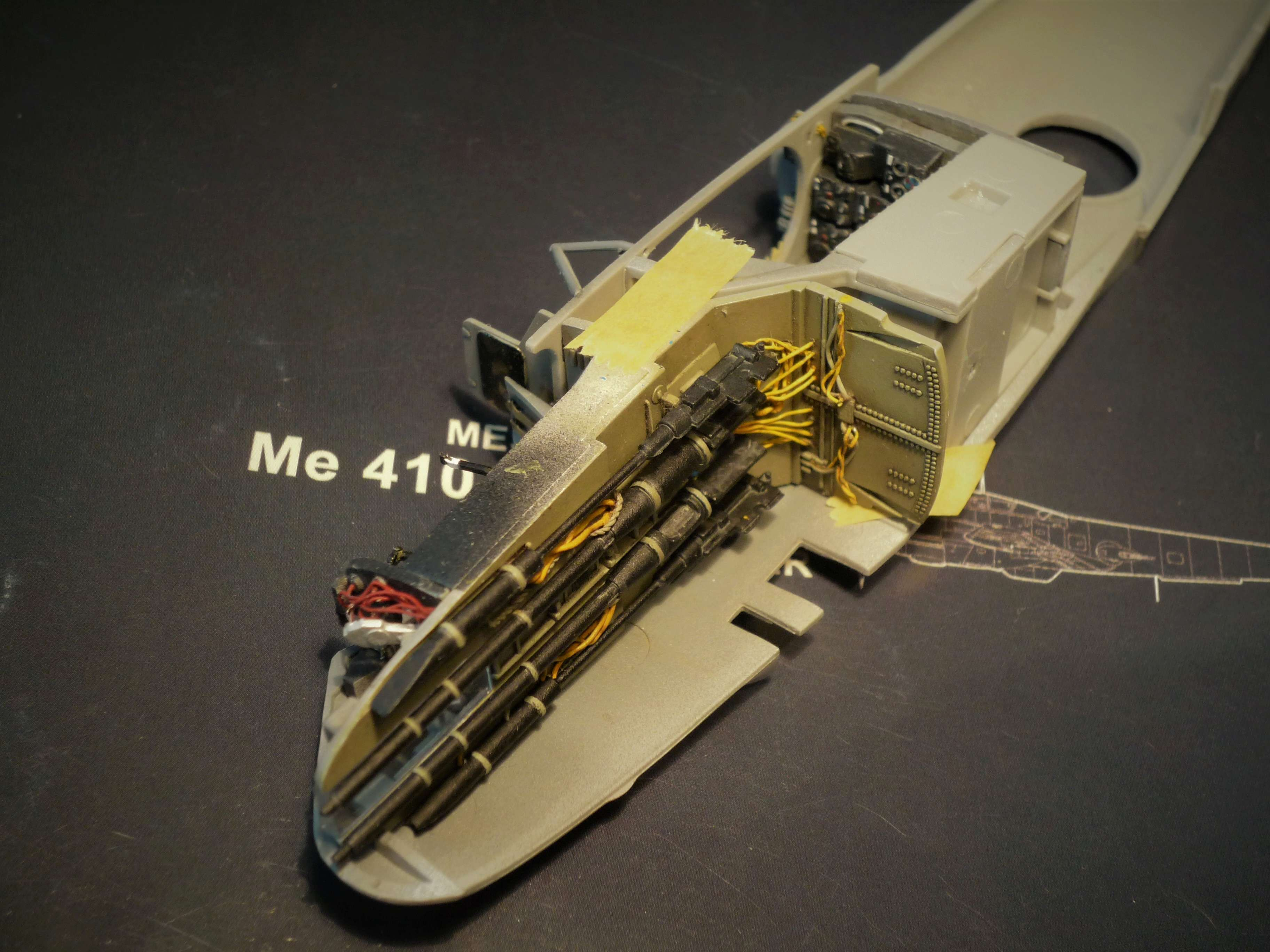 """Messerschmitt Me410B-2/U2/R4 """"Hornisse"""" (MENG 1/48) - Page 7 P1100931"""