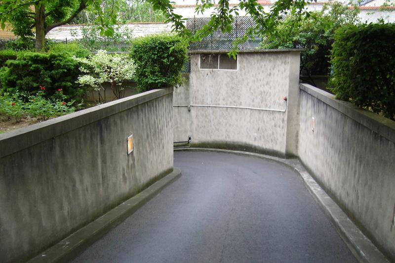 Vente 2 places de parking au pied de la place Marcel Sembat P1000912