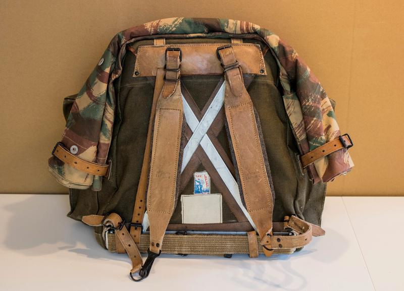 Parachutistes en Algérie (tenues & équipements) Img_5936