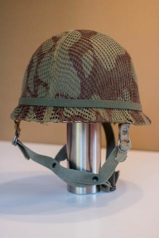 Parachutistes en Algérie (tenues & équipements) Img_6015