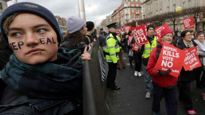 Irish back abortion reform. _1017310