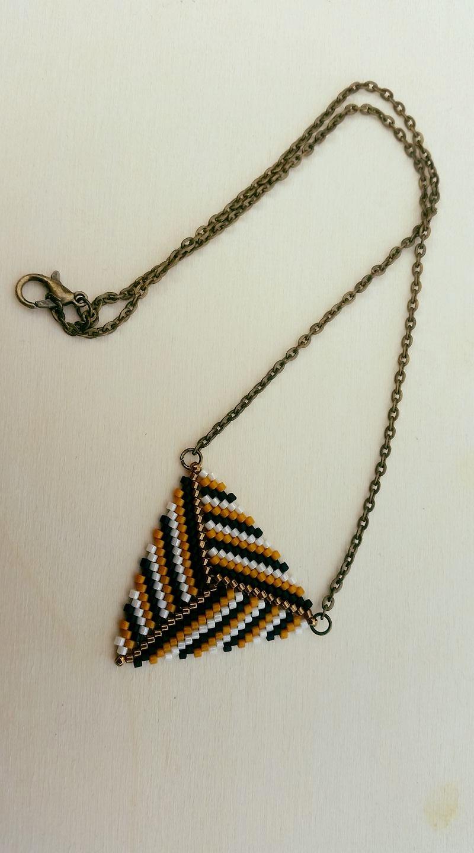 Quelques petits colliers  21199410