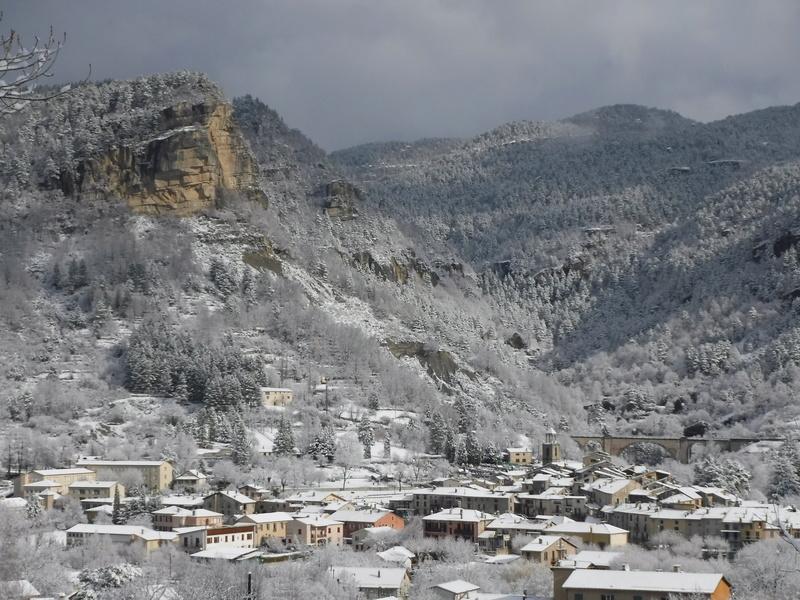La neige sur mon village Dscf6213