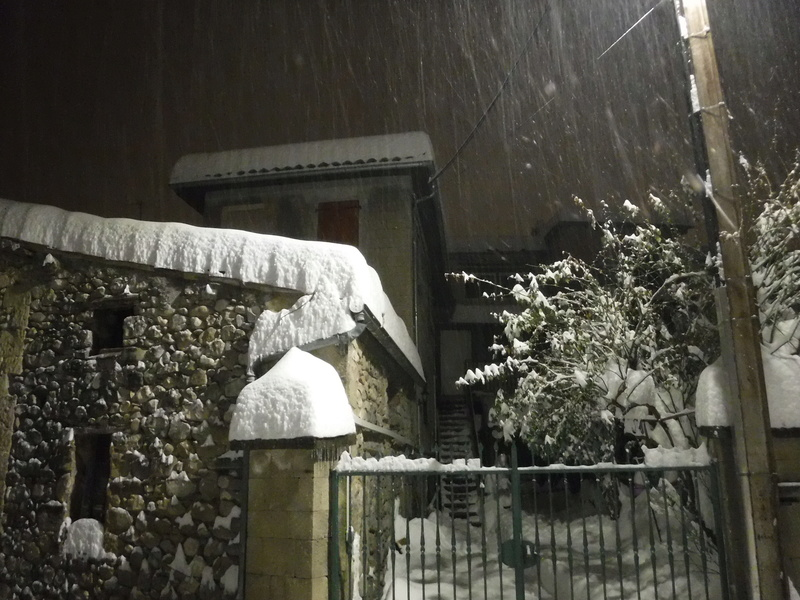 La neige sur mon village Dscf6316