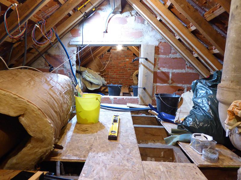 [Renovation de ma maison] Electricité, isolation et placo : le chantier - Page 6 P1020316