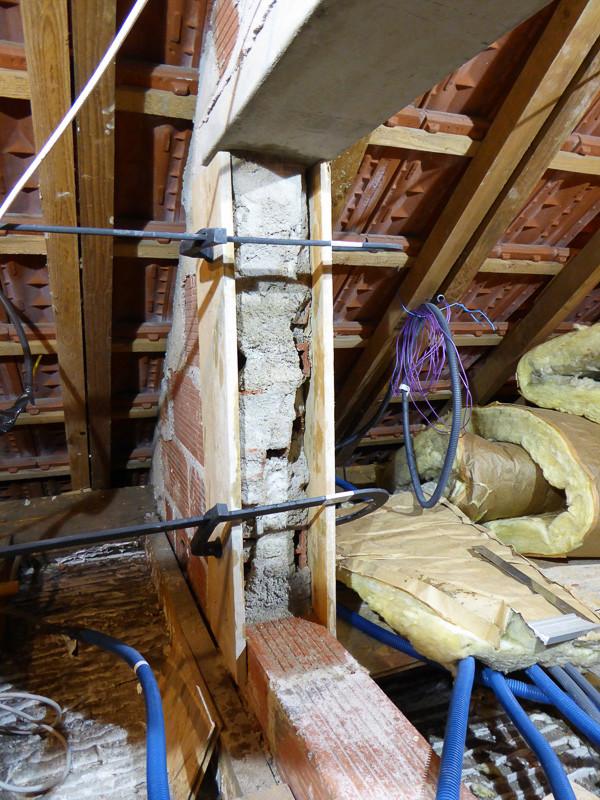 [Renovation de ma maison] Electricité, isolation et placo : le chantier - Page 6 P1020323
