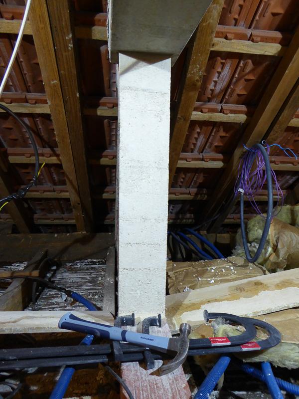 [Renovation de ma maison] Electricité, isolation et placo : le chantier - Page 6 P1020326