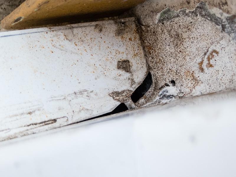 [Recherches]Comment rattrapper la pose de mes fenêtres ? P1020533