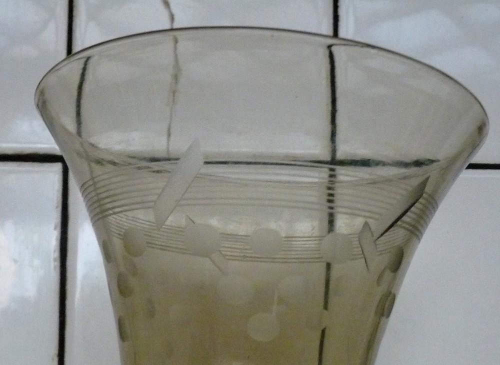 vase coupe à identifier P1380010