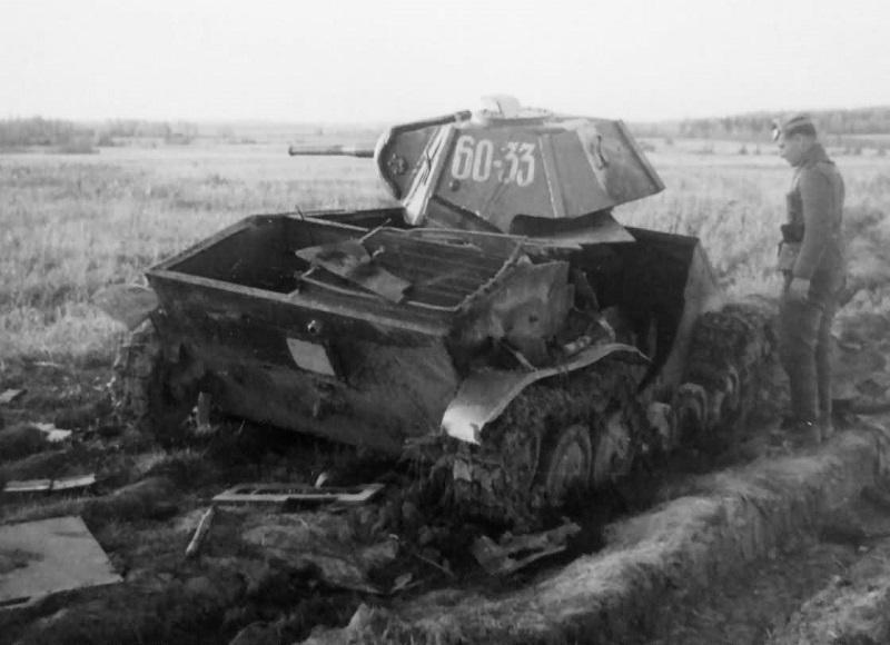 Problème moteur près d'un T-60 détruit T-60_011