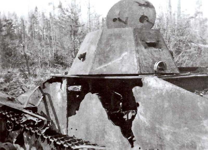 Problème moteur près d'un T-60 détruit T-60_026