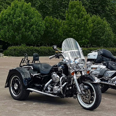 Pare-brise style Road King CVO - Page 3 69e01110