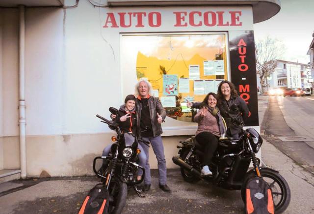 les motos écoles formatent des motards, pas des bikers - Page 3 D90d2c10