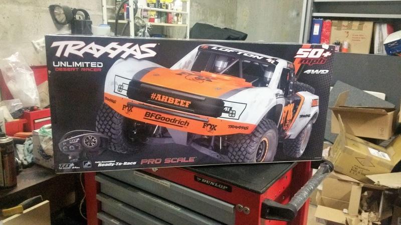 Traxxas unlimited desert truck Arnaud75 20180410