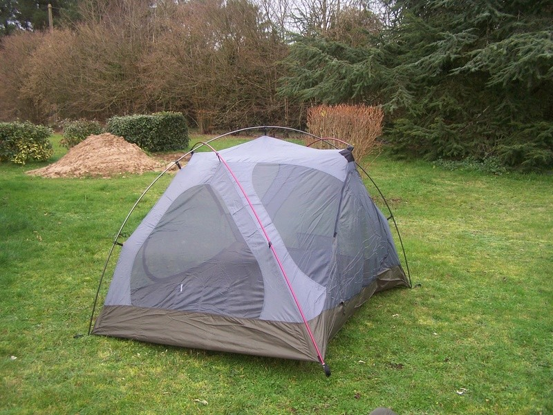 recherhe tente igloo 2 places 100_7710