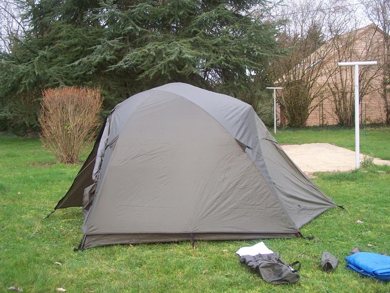recherhe tente igloo 2 places 100_7711
