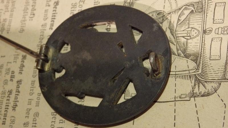 Identification pour un insigne d'assaut  P1210011