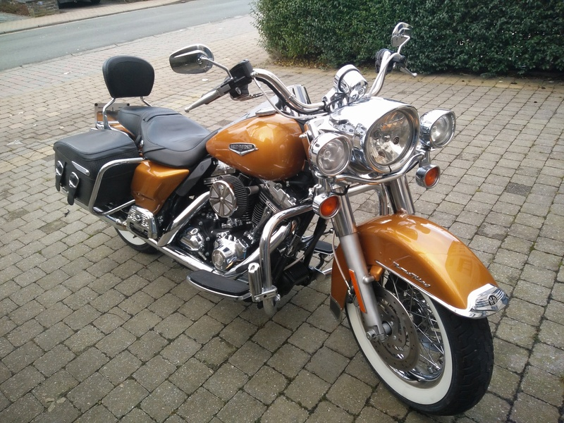 Harley Road King Bagger 2006 - Page 2 Img_2015